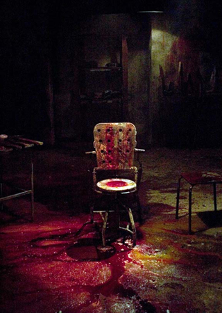 http://iconsoffright.com/news/hostel_chair1.jpg