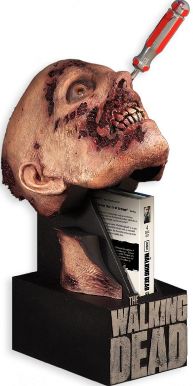 THE WALKING DEAD Season 2 Bonus Feature & Limited Edition Preview!