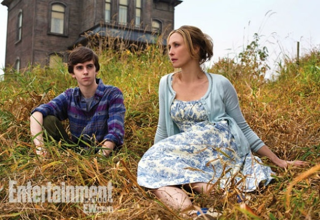 First Look At Norman & Mother In A&E's THE BATES MOTEL!