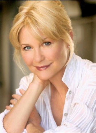 ICONS EXCLUSIVE: Interview with DEE WALLACE!!!